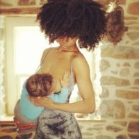 YaYa-Decosta-breastfeeding