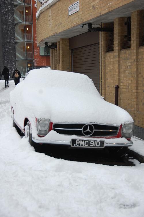 car_in_snow