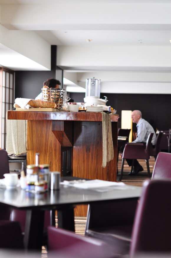 hilton_breakfast_area