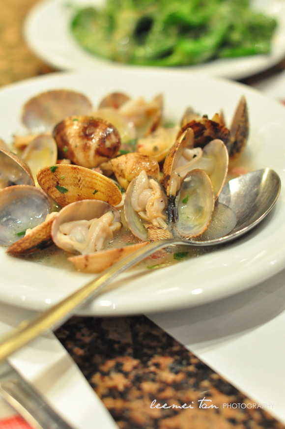 clams-with-white-wine-panchetta