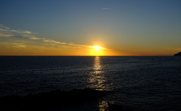 sunset-riomaggiore-cinque-terre