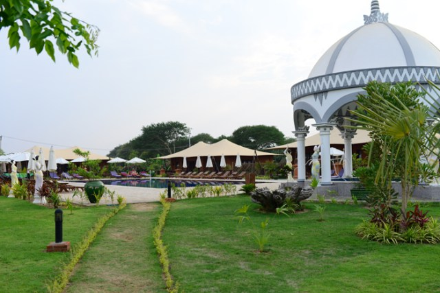 bagan-lodge-pool-2