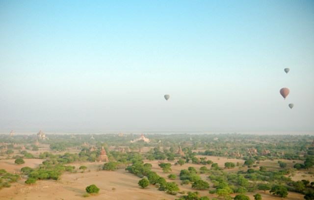 balloon-over-bagan-4