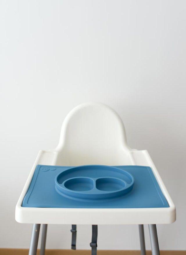 ezpz-happy-mat-on-high-chair