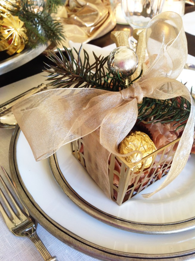 New Year's Silver & Gold Tablescape