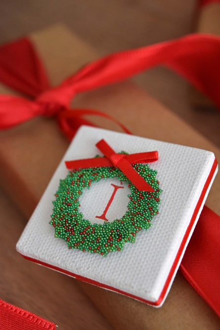 Mini Canvas Christmas Gift Tags – So Cute & Easy To Make!