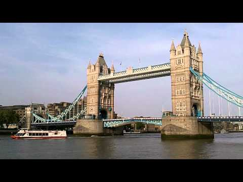 London's Tower Bridge Opens and Closes