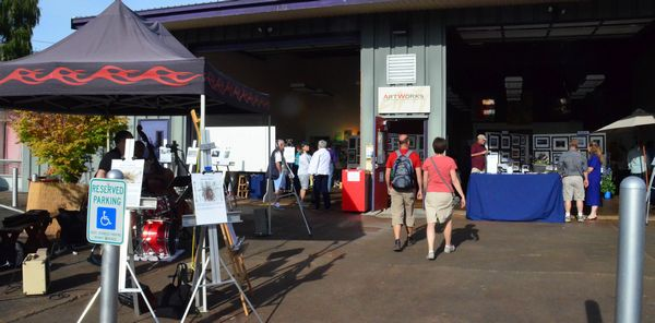 The monthly ArtSplash event showcases the work of Edmonds-based artists.  In addition to art, the event features food and music, and attracts scores of attendees from Edmonds and beyond.