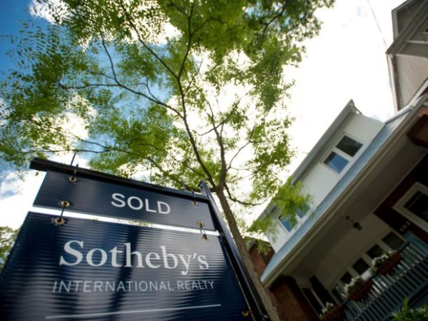 Canada tightens mortgage rules to help cool blistering Toronto, Vancouver housing markets
