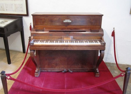 Piano-maker Pleyel bids adieu to music lovers worldwide, Image Gryffindor, Wikimedia
