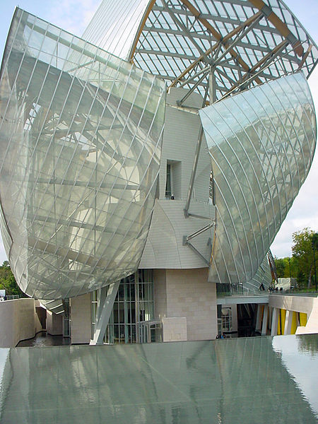 La_Fondation_Louis_Vuitto_building_created_by_Frank_Ghery_in_Paris