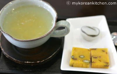 Ddeok (Korean Rice Cake) Cafe - Jilsiru 14