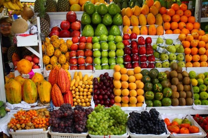 Obststand auf dem Mercado Surquillo, Miraflores - Lima