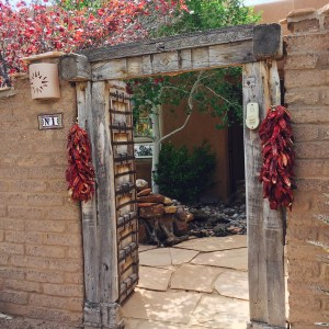 The textures on this adobe entryway speaks of New Mexico to me. Period. I really love how all these elements play together. I couldn't wait to see what type of garden was awaiting for me.