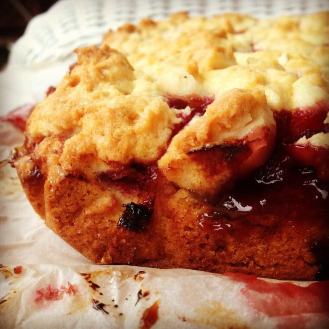 raspberry & macadamia crumb bars