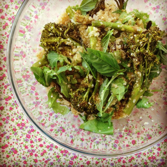 gorgeously green quinoa salad w' zesty pesto dressing