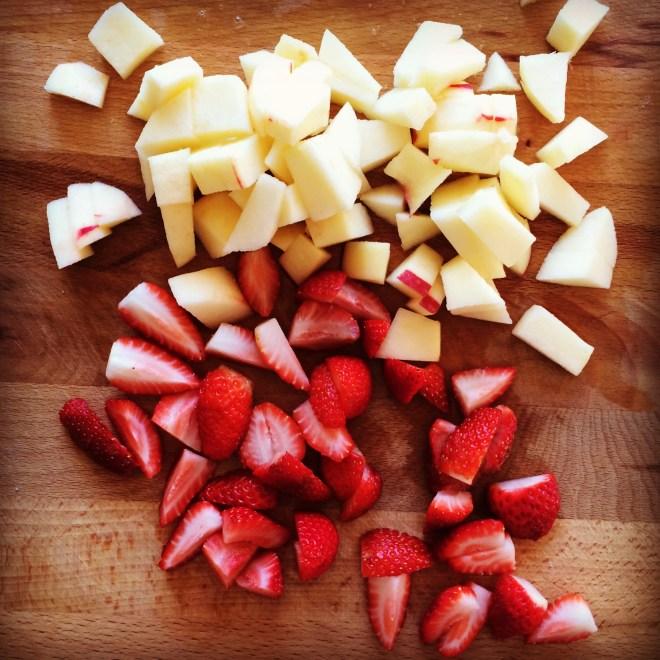 strawberry & apple oat crisp bars