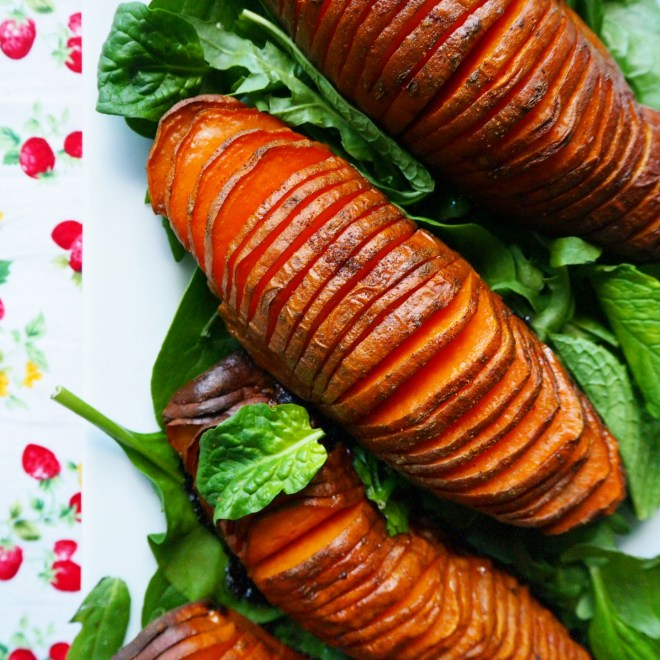 everyday salad w' hasselback potatoes