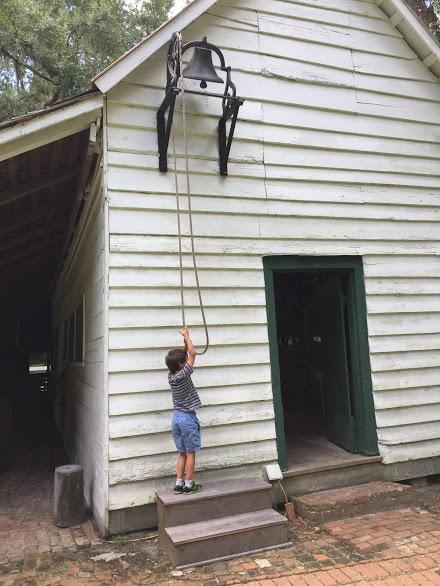 plantaton ringing the bell