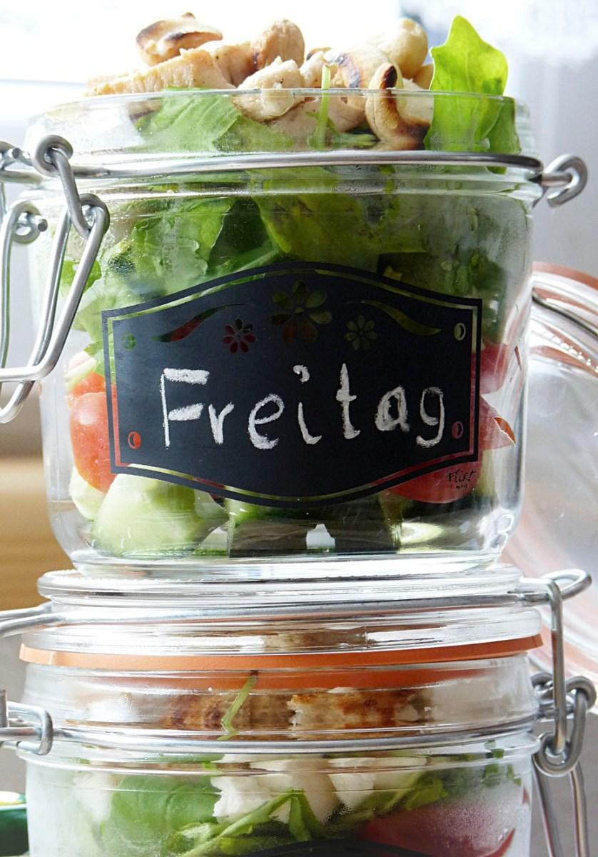 """Gesunde und echt leckere Salate im Glas """"to go"""""""