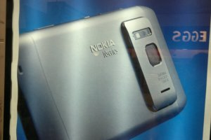 Nokia N8 – The Best Smartphone Camera. FACT
