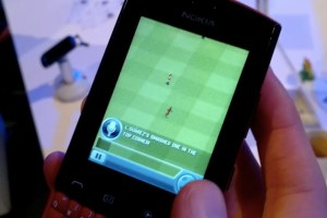 Video:EA's FIFA 12 on the Nokia Asha 303 (QWERTY touch and type)