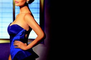 Bollywood star Esha Gupta loves her Nokia Lumia and City Lens