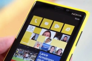 Nokia Lumia 920 Reviews from Stuff, KnowYourMobile, V3, Gizmodo and TechnoBuffalo