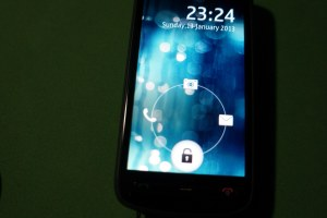 Video: Android Bubble Lockscreen on Nokia Belle Devices Via Bubble Unlock