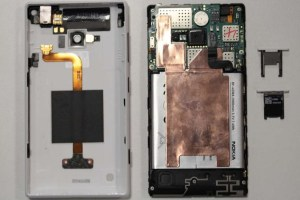 Nokia Lumia 720 Internal/Disassembly Photos and Manuals as it passes FCC