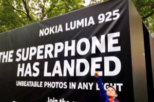 Superphone has landed: Man Of Steel european premiere filmed with Nokia Lumia – unbeatable photos in any light