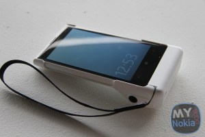 Gallery: Accessories – Battery Camera Grip for Nokia Lumia 1020