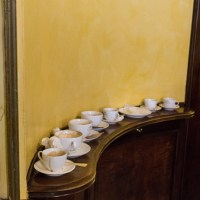 Coffee and elbows. How to have breakfast in Milan