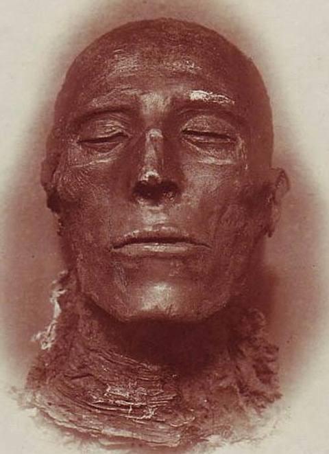 Cabeza de la momia de Seti I.