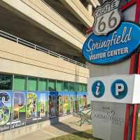 Travel to Springfield, Missouri to see rolling hills and lots of fun #ad #VisitMissouri @SpringfieldCVB #TravelSGF