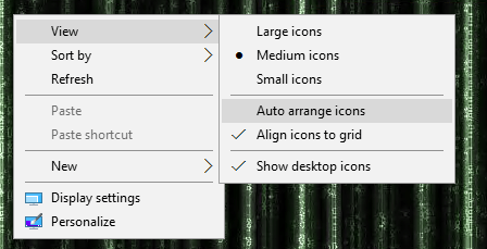 Shows how to disable the auto arrange icons feature in Windows.