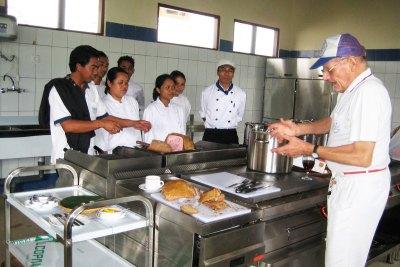 Chris Delfs Teaches Future Chefs