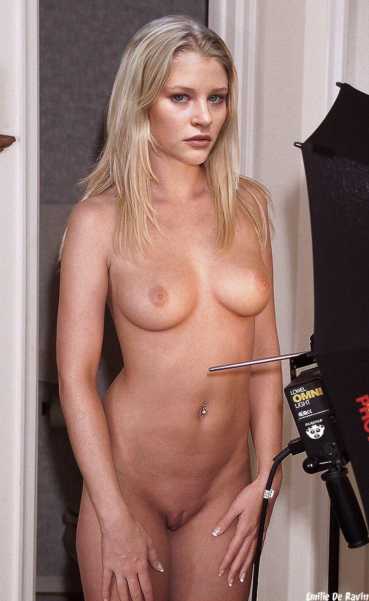 Emilie De Ravin Nude Fakes | NakedCelebGallery.com