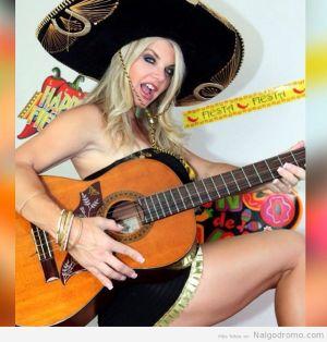Para bailar La #Bamba!! #cincodemayo #fiesta #guitar rt
