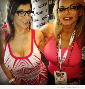RT if you like Girls in #Glaases! @SaraJayxxx @vickyvette  #nerds