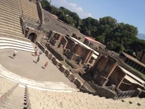 Anfiteatro, um dos famosos pontos das escavações de Pompéia