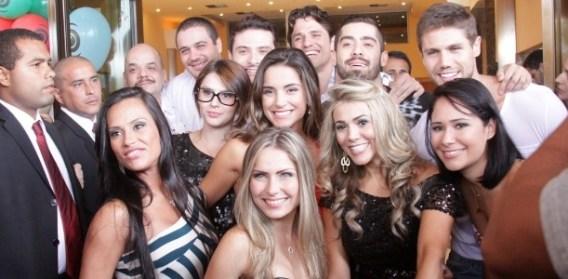 Foto com todos os participantes do BBB12