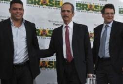 foto de representantes da fifa