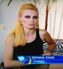 """A modelo Tatiane Eyng durante entrevista para o """"Domingo Espetacular"""" (22/1/12)"""