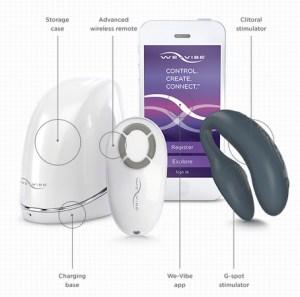 O WE VIBE 4 PLUS vem com estojinhos, controle por bluetooph, carrega por USB, conecta-se ao app com padrões de vibração.