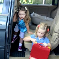 11 Tips to Keep You Sane on Road Trips with Kids--No Screens Required!