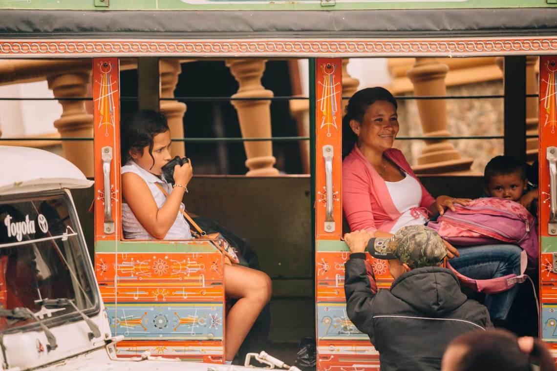 colombia_coffee_break_concordia_bus_passengers