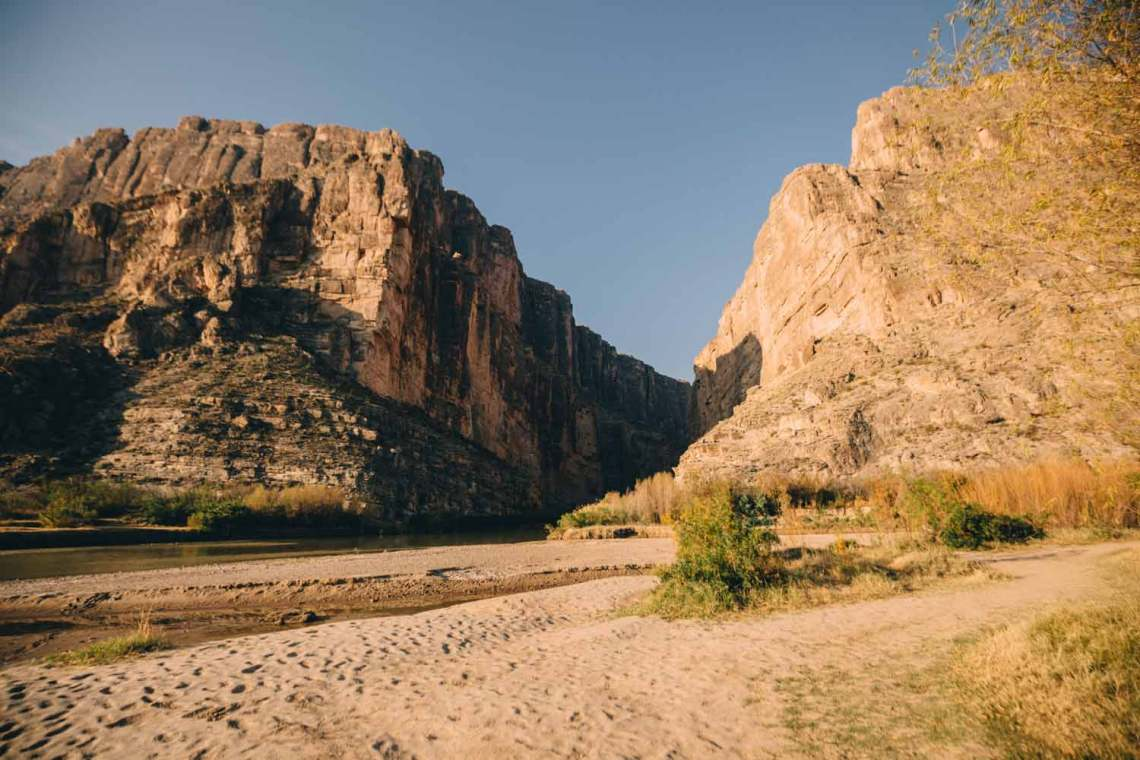 three_birds_three_trails_santa_elena_canyon_view_vista_riverbed