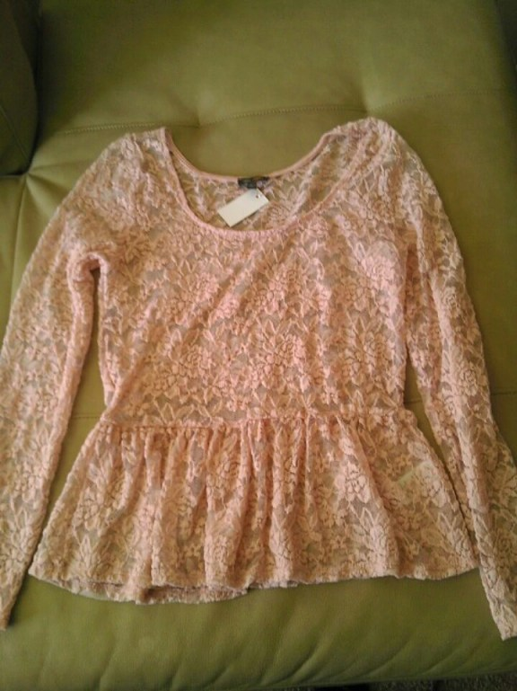 Thrifty Thursday, Fashion, Peplum, Blouse, Lace, Pink,  Sheer, Goodwill, Naturally Stellar, Spring, Fashionista