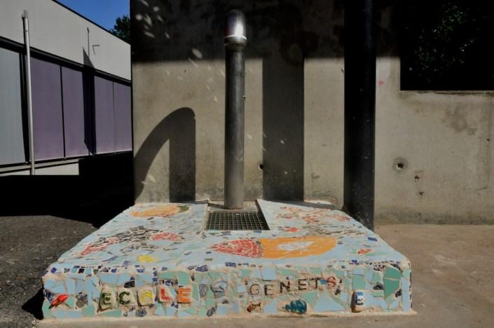 201106_vav_genets_mosaique_banc_fontaine-_33